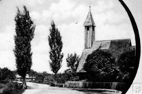 stara drvena kapelica u Lekeniku